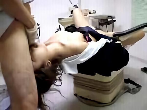 悪徳診察<昏睡レイプ>診察にきた貧乳JKを強力な麻酔で睡眠気絶させイタズラww大量ザーメンでガチ種付け鬼畜医師<閲覧注意